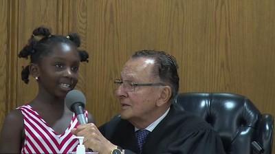 Ketika Anak 6 Tahun Diajak Memutuskan Kasus Hukum Ibunya