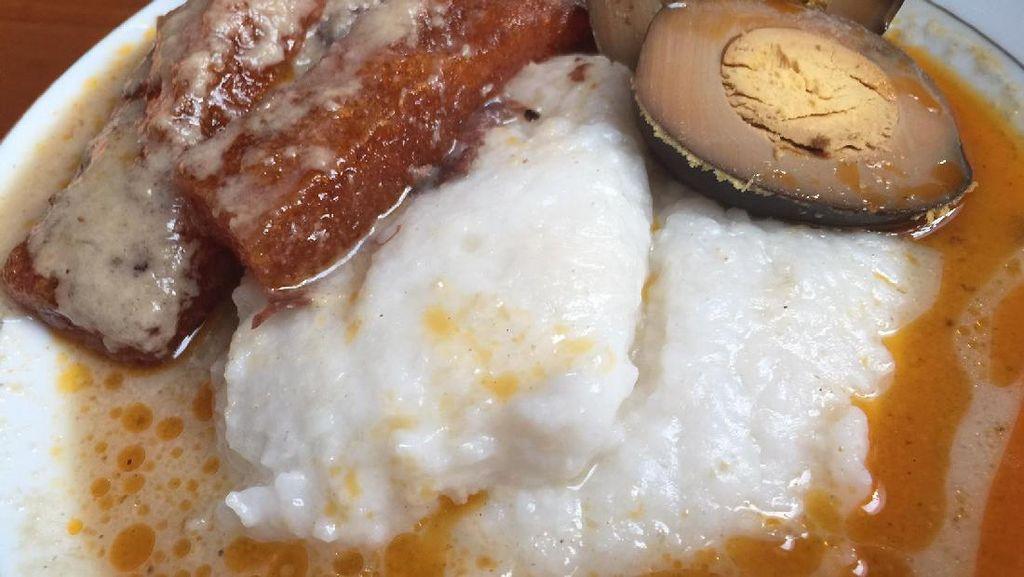 Mbak Yus: Ini Lho Bubur Gudeg Solo Berlauk Opor Ayam Favorit Presiden Jokowi