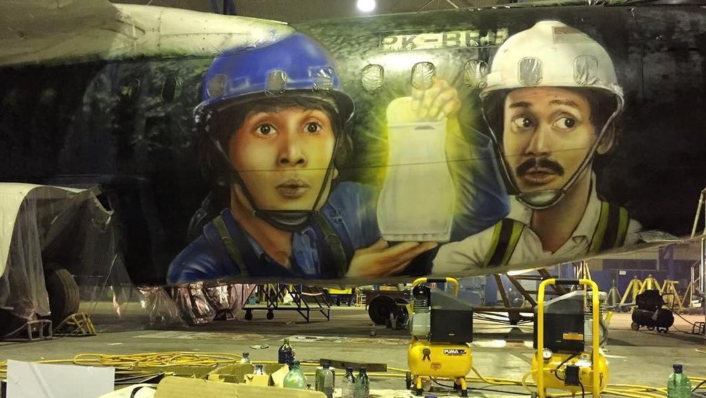 Di Balik Mural Pesawat Warkop DKI Reborn, Wajah Bersinar Laudya Cynthia Bella