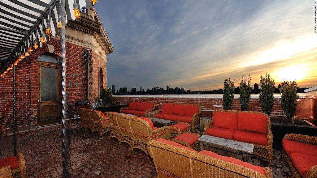 Indahnya Pemandangan Kota New York Bisa Dinikmati dari Ketinggian 8 Rooftop Bar Ini