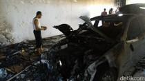 Mobil Mewah Terbakar di Depan Rumdin Gubernur Jateng