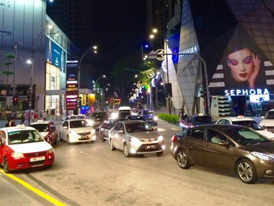 Bukit Bintang Kuala Lumpur yang Tak Pernah Tidur