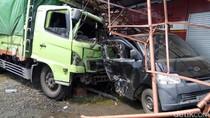 Rem Blong, Truk Muatan Gandum Tabrak 6 Kendaraan di Brebes