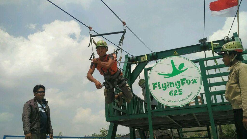 Ini Flying Fox Terpanjang di Asia Tenggara, Ada di Gunungkidul