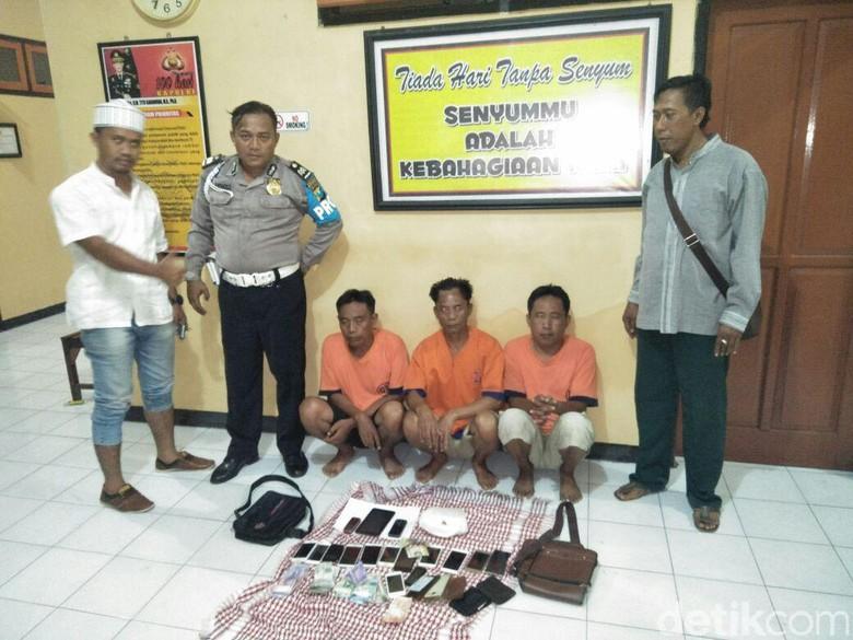 Komplotan Copet Pasuruan Dibekuk di - Banyuwangi Kekhusyukan jemaah Festival Banyuwangi Bersholawat di Stadion terusik dengan aksi pencurian yang dilakukan komplotan copet dari Rabu