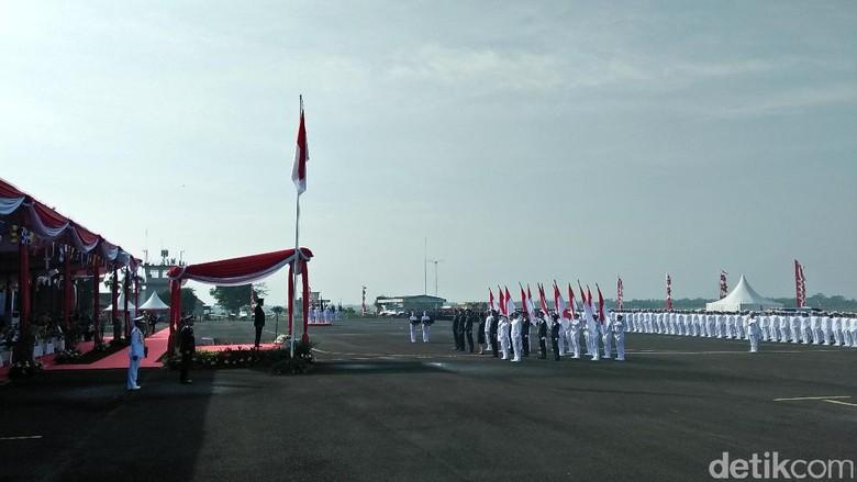 Lantik Perwira Lakukan Budaya Melayani - Jakarta Menteri Perhubungan Budi Karya Sumadi melantik wisudawan perwira transportasi di STIP Para perwira itu merupakan perwira transportasi
