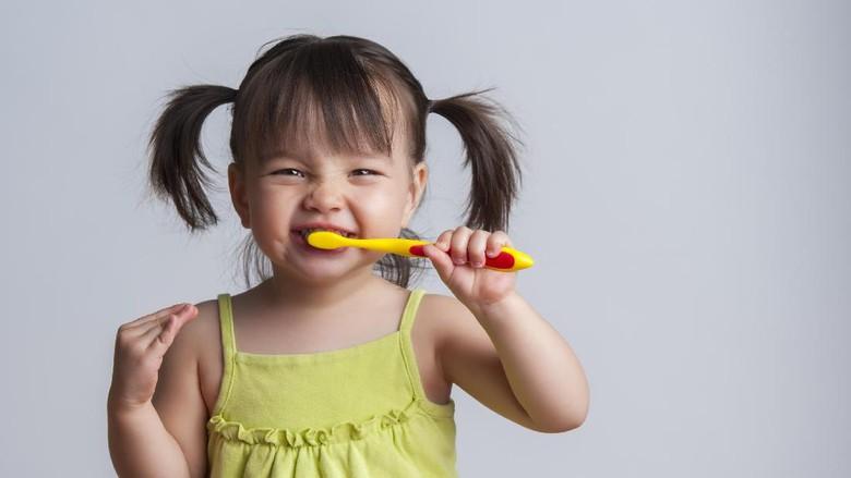 Ilustrasi anak gosok gigi/ Foto: thinkstock