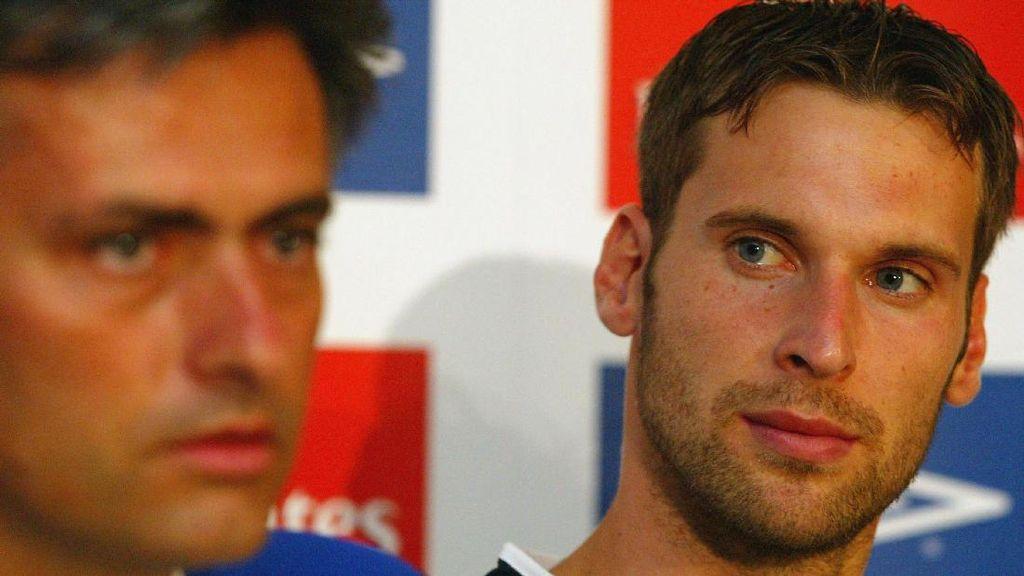 Cech Beberkan Gaya Mourinho yang Bisa Diadopsi oleh Arsenal
