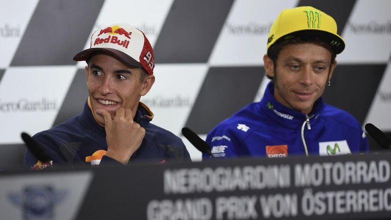 Rossi Cedera Gara-gara Latihan Motocross, Marquez Membela