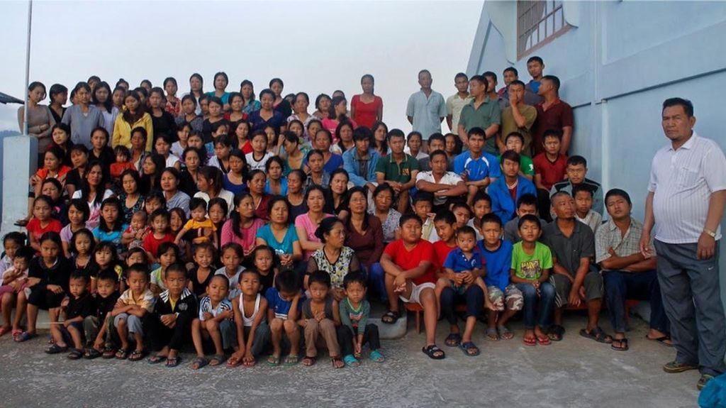 Foto: Pria dengan 39 Istri, 90 Anak dan 33 Cucu