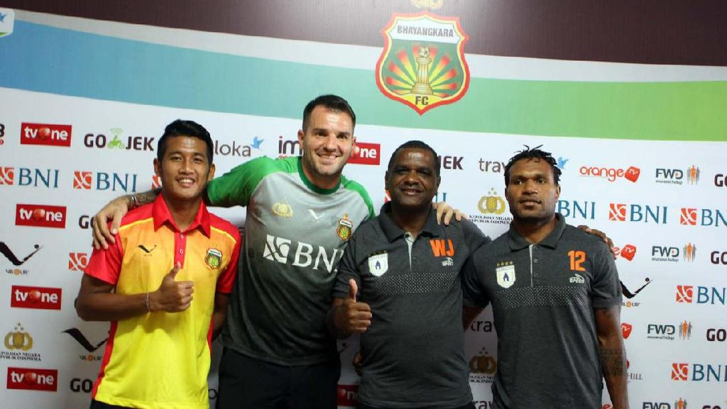 Bhayangkara vs Persipura: Duel Dua Kandidat Juara