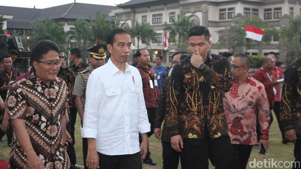 Jokowi Bagikan 3.500 Sertifikat Tanah di Bali