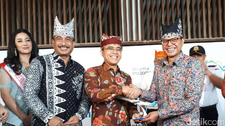 Foto: Peresmian penerbangan perdana Garuda Indonesia rute Jakarta-Banyuwangi (Putri Akmal/detikTravel)
