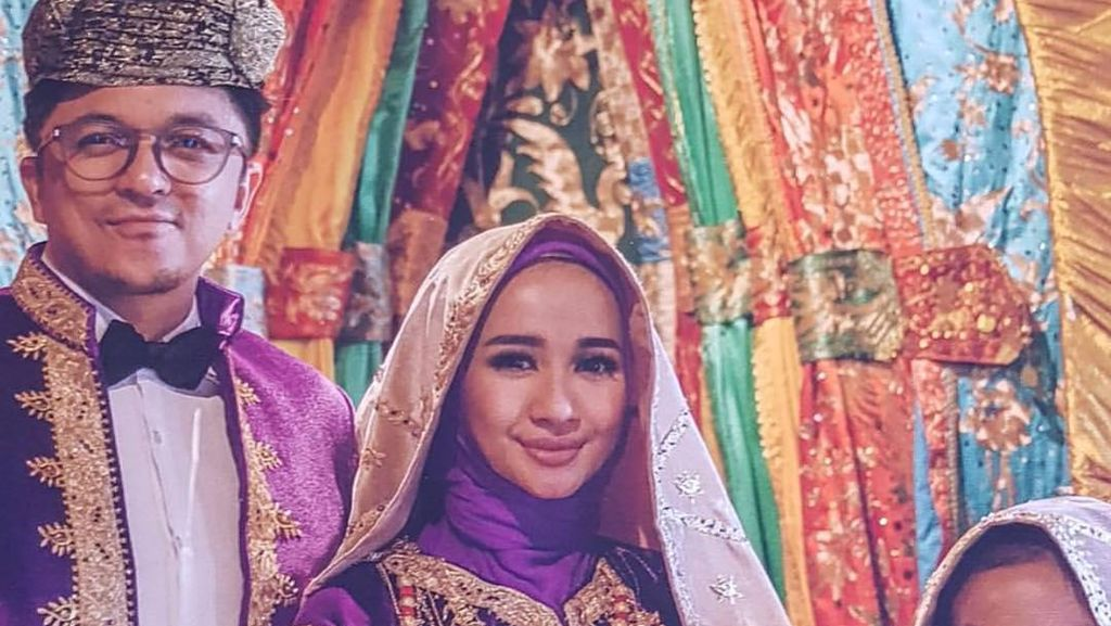 Nikahi Pria Malaysia, Laudya Cynthia Bella Foto Prewedding Pakai Baju Minang