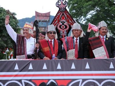 Menteri Pariwisata: Danau Toba Keren, Beken dan Paten