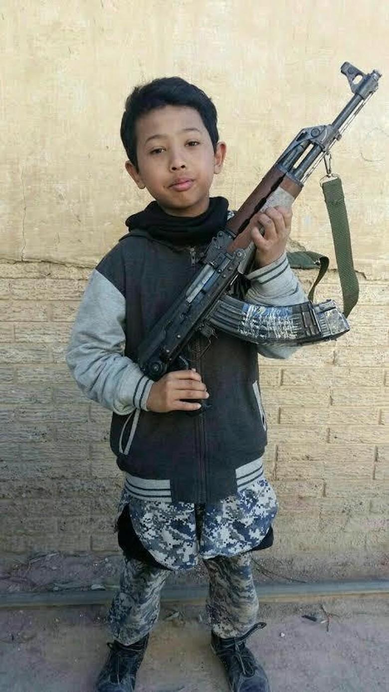 Polisi Sebut Ayah Bocah Petarung ISIS Merupakan Teroris Poso