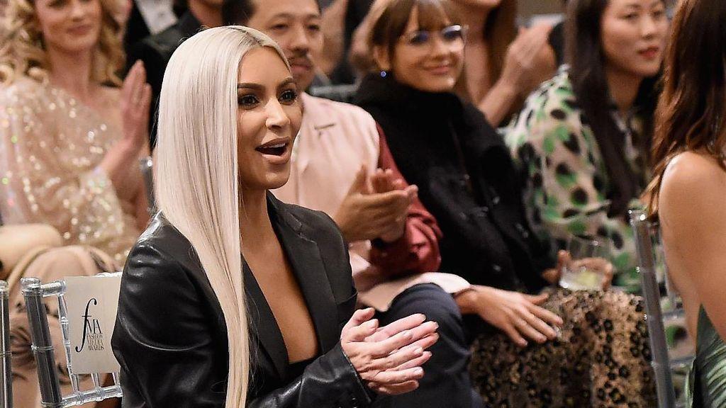 Duh! Ternyata Kim Kardashian Tukang Nyontek