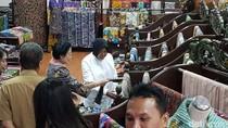 Wali Kota Risma dan Bupati Anas Dampingi Megawati Borong Batik