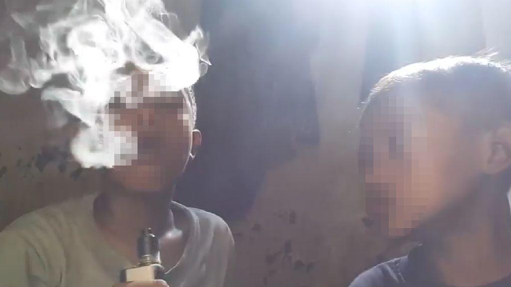 Video Viral Anak di Bawah Umur Mengisap Rokok Elektrik Bikin Miris