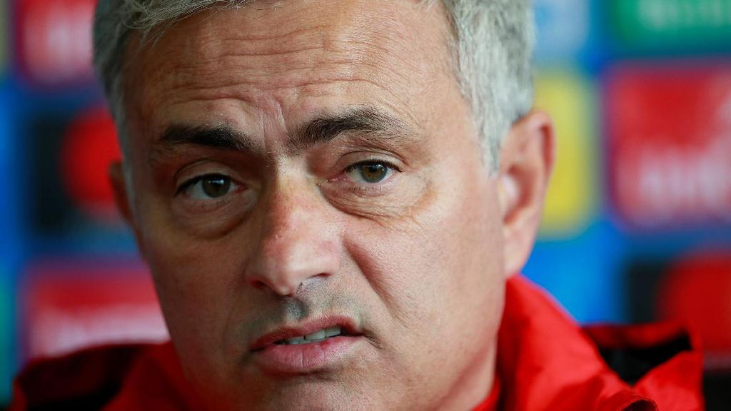 Klub-Klub Inggris Jeblok di Liga Champions, Mourinho Salahkan Jadwal