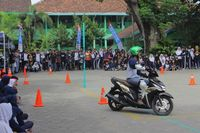 Yamaha Mio M3 125 digunakan dalam praktik Yamaha Goes to School Safety Riding (Foto: Yamaha)