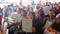 Jokowi Bagi-bagi Sertifikat Tanah di Cimahi