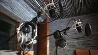 Alasan Radio Masih Bertahan di Indonesia