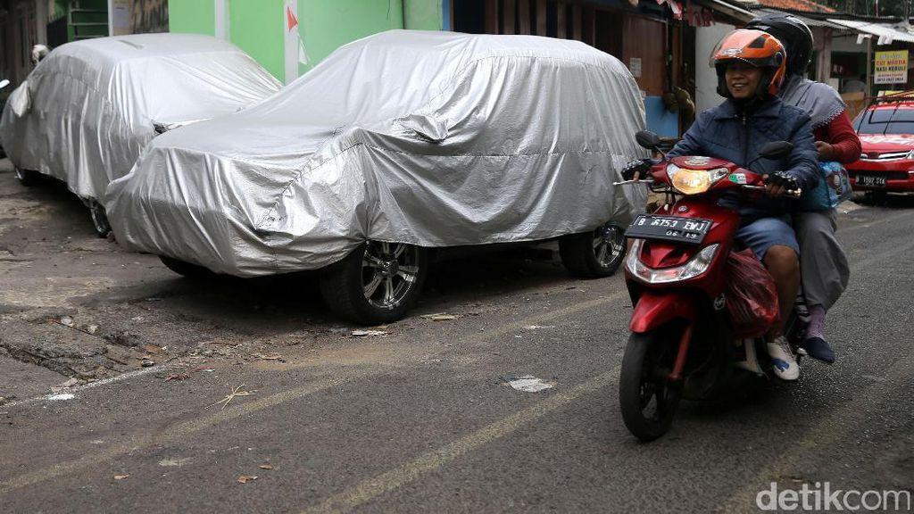 Aturan Punya Mobil Harus Ada Garasi, Akankah Diperluas ke Depok?