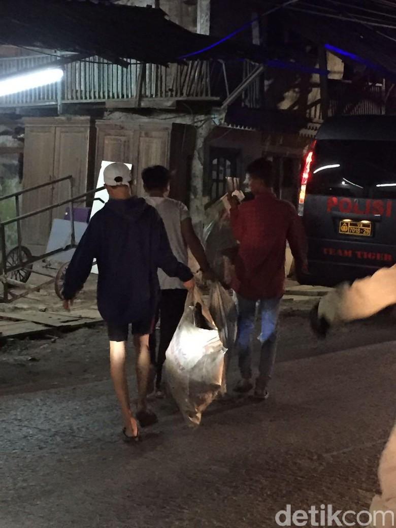 Curi Besi dari Truk, 5 Bajing Loncat Ditangkap di Koja