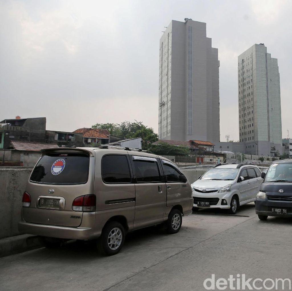 Bagaimana Penerapan Aturan Punya Mobil Wajib Ada Garasi?