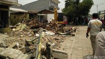 Pemkot Bekasi Tertibkan Bangunan di Bulak Kapal