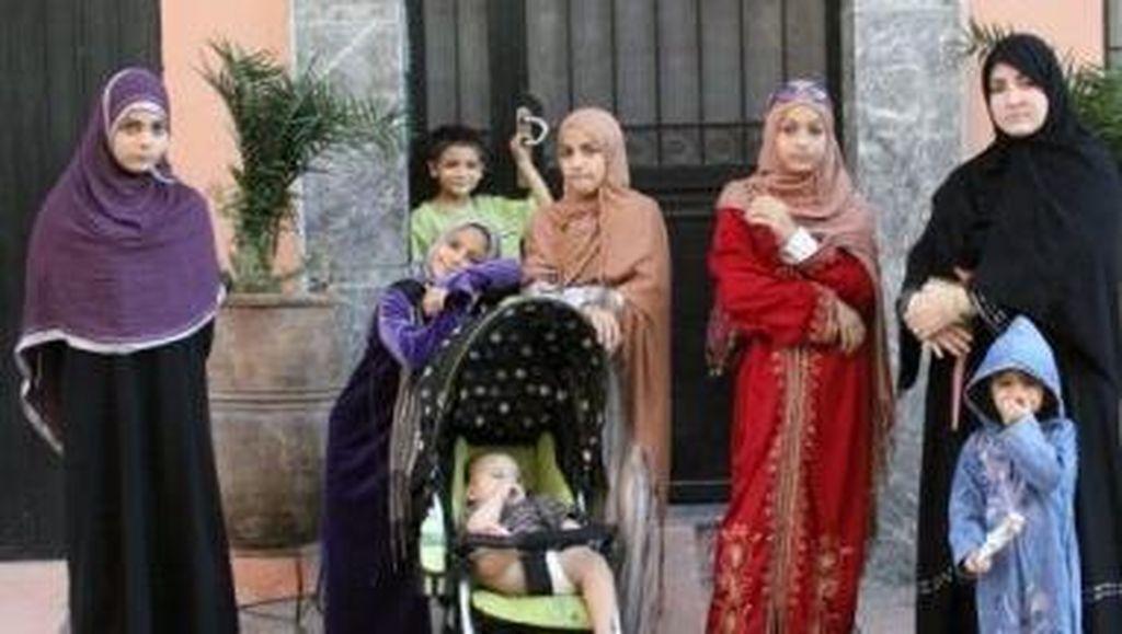 Cerita Ibu yang Mengurus 14 Anak Sekaligus Bisnis Miliaran Rupiah