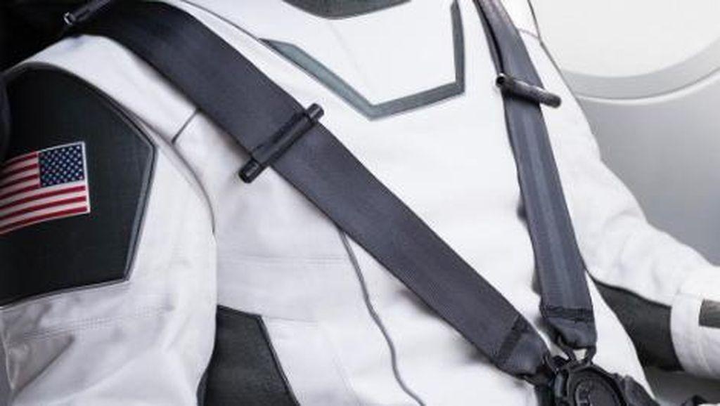 Iron Man Pamer Baju Luar Angkasa SpaceX, Seperti Apa?
