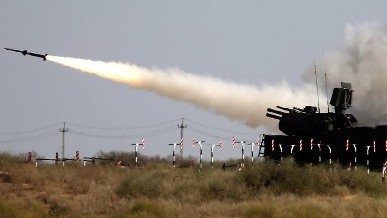 Teka-teki Latihan Militer Besar-besaran Rusia