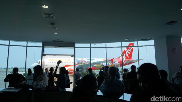 AirAsia Luncurkan Pesawat Bergambarkan Borobudur dan Bromo