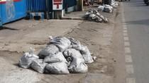 Jijik, 100 Ton Per Hari Lumpur Diangkut dari Selokan di Jakbar