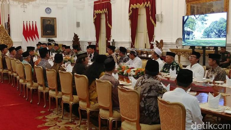 Di Depan Ulama, Jokowi Cerita Diplomasi hingga Bantuan ke Rohingya