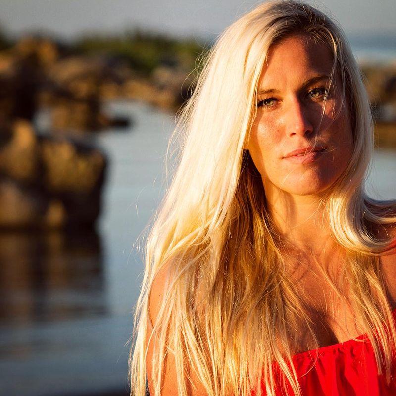 Johanna Cecilia Martinsson (29) dulunya seorang wanita karir. Namun pada January 2016 lalu ia mantap resign untuk lebih mendalami hobinya, kitesurfing (johanna__cecilia/Instagram)