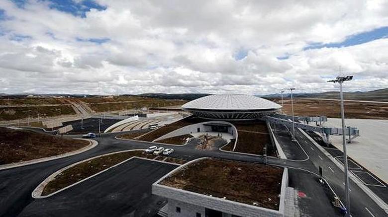 Bandara Daocheng Yading di Tibet (Reuters)