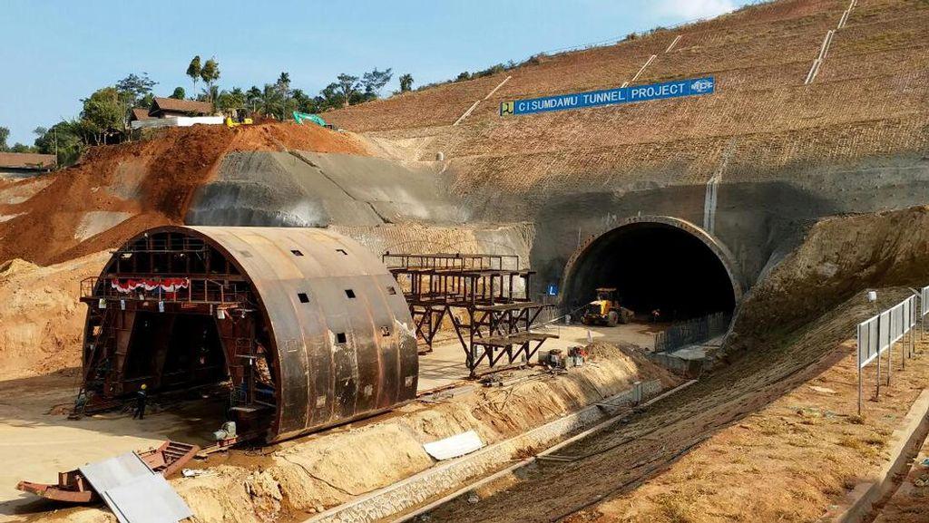 Tembus Bukit, Begini Perkembangan Konstruksi Tol Cisumdawu
