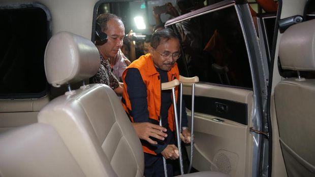 Bupati Batubara OK Arya Zulkarnaen Resmi Ditahan KPK