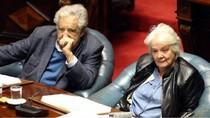 Mantan Gerilyawan Perempuan Menjadi Wapres Uruguay