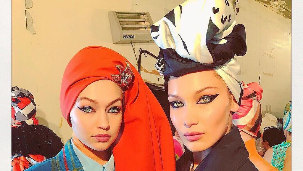 Ketika Gigi & Bella Hadid Pakai Turban di New York Fashion Week