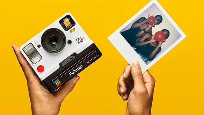 Kamera Instan Klasik Polaroid Lahir Kembali