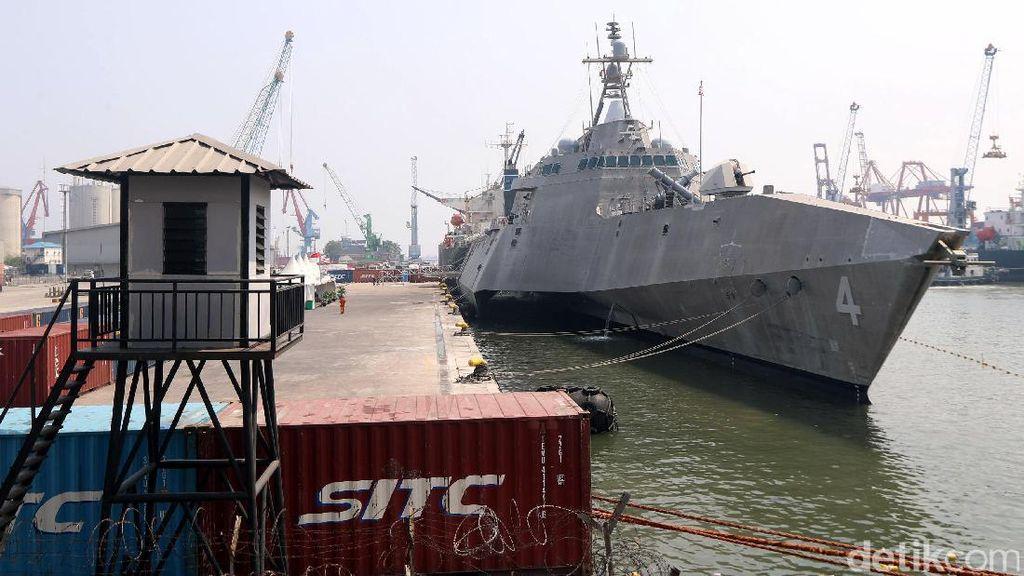Melihat Dari Dekat Kapal Perang USS Coronado