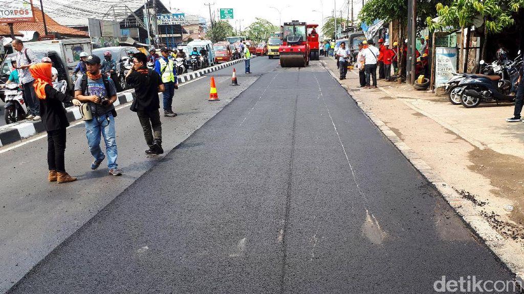 Uji Coba di Bekasi, PUPR Klaim Aspal Campur Plastik Tahan Air