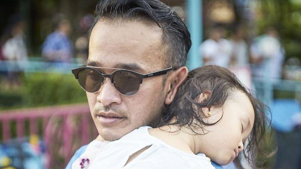 Foto-foto Ini Buktikan Ruben Onsu adalah Super Dad