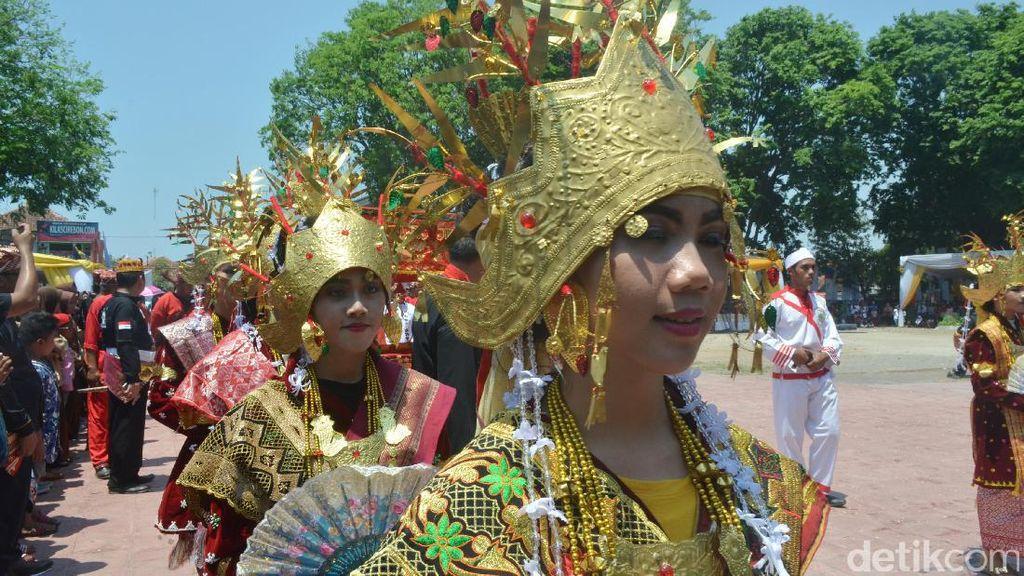 Kirab Agung Prajurit Keraton Se-Nusantara Ditonton Ribuan Orang