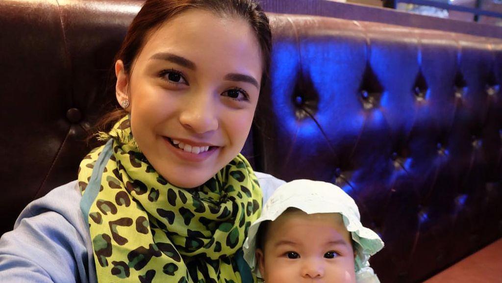 Foto: Imutnya Chelsea Olivia, si Mama Muda
