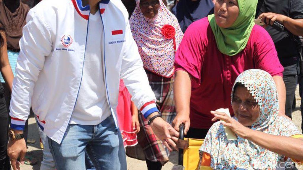 Maju Pilbup Bandung Barat, Hengky Kurniawan Blusukan Jumpa Warga